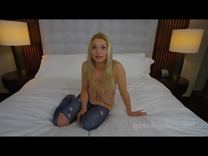 Teen cock sucker shows her skills