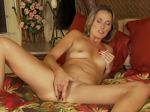 Misty Law Fingers Older Pussy