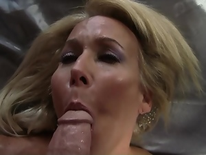 Slim MILF Erica shows off her talents