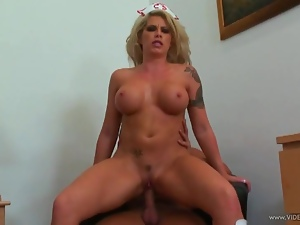 Brooke Haven bounces her pussy on this hard cock