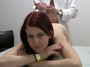 Redhead babe relaxed and ready for casting
