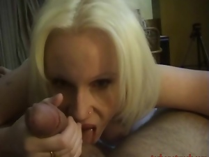 Blonde bombshell gets her mouth shafted