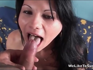 He cums on her tongue after hot blowjob