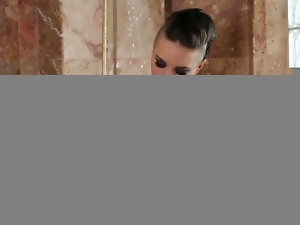 Walk-in shower solo with punk christy mack