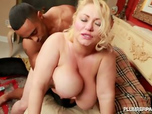 Busty bbw blonde samantha 38g fucks british fan