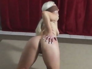 Blindfolded czech girl gives a blowjob