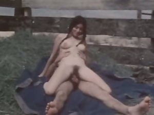 Vintage style outdoor fucking session