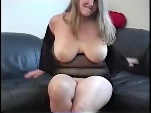A fat ass chick is showing her skills on a cock