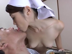 Maki Hokujo takes care of an old man butt naked