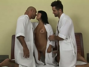 Kelly gets fucked by horny bisexuals Matheus and Yuri