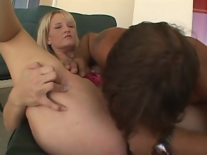 Milf is not missing a drop of a cum that fills her mouth