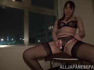 Pleasures from vibrator for a booty angel Yuna Aino