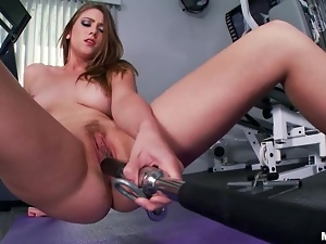 Horny Shae Snow doesn't go to gym to work out