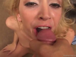 Hot Kelly Wells gives sloppy blowjob and fucks in POV video