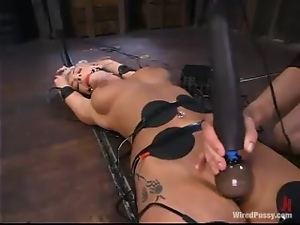 Adorable Sammie Rhodes gets her ass toyed with an electric dildo