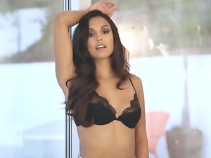 You are going to be hypnotized by Raquel Pomplun