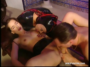 Dru Berrymore and Melory share a prick after licking each other's vags