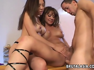 Asian slut Kaiya Lynn fucked in a kinky FFM threesome
