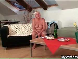 Naked old lady drinks with him and sucks cock