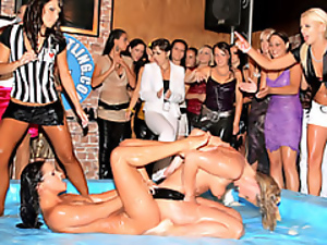 Naked wrestling chicks