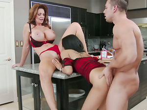 Deauxma Gulliana Alexis Johnny Castle in My Friends Hot Mom. Part 2