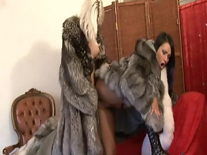 Horny babe strap on fuck in fur