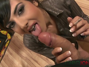 CarloJones wet lips and hot smoke blowjob to cum
