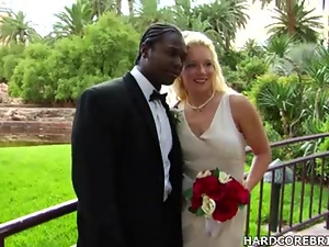Bride and groom fuck on their big day