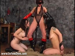 Femdom in the dungeon threeway style