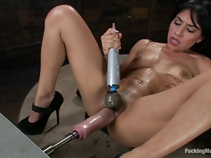 Candy Martinez gets banged to orgasm by a fucking machine