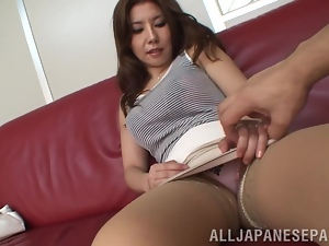 Sakiko Mihara shows her cunt to some guy and lets him finger it