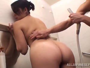 Japanese Marika Tsutsui Giving a Blowjob in the Bathtub
