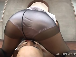 A mature office whore fools around with an assistant