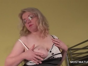Pussy masturbation with horny blonde mature in glasses