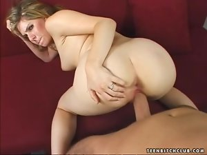 Nasty and bitchy blondie Roma is so fucking inadequate