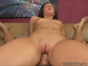 Nuaghty babe Riley Winter loves riding him