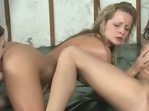 College Amateur Girls Eating Pussy And Finger Banging