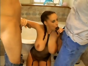 Big tits Gianna Michaels blows lots of guys