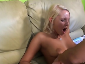 Country Girl Vanessa Cage Is A T...