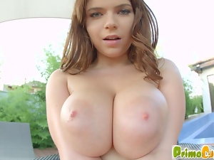 Marina plays with her gorgeous big tits