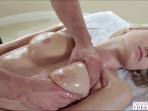Blonde busty Natalia Starr sex massage