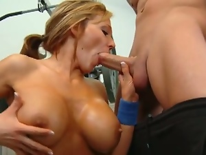 Nikki sexx grinds and pounds justice young