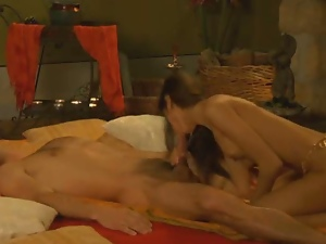 Hindu goddess is a pro in hot erotic massage