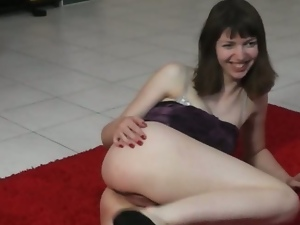 Amateur lapdancer ludmila sucks cock