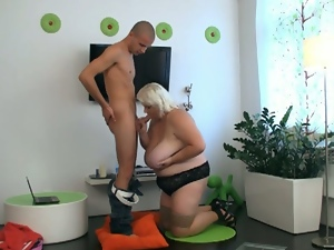 Blonde plumper called to fuck