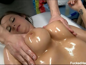 Kymber lee gets body and pussy massage