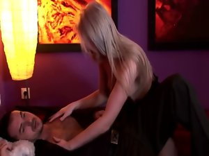 Centerfold slutty girl gives an wake up cock sucking to her stud