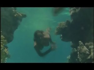 Phoebe Cates - Paradise (stripping-swimming naked underwater)
