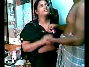 Sensual indian Fellow try to love with her Secret lover Aunty