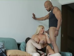 WHITE Venus LOVES HUGE BBC!
